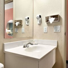 Отель Super 8 Effingham ванная