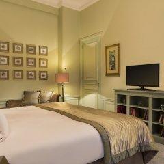Отель Hôtel Westminster Opera сейф в номере