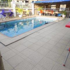 Отель De Fellas Palace Hotel & Suites Нигерия, Ибадан - отзывы, цены и фото номеров - забронировать отель De Fellas Palace Hotel & Suites онлайн бассейн