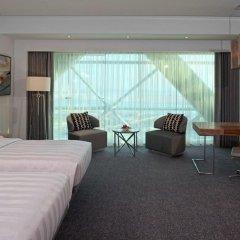 Отель Andaz Capital Gate Abu Dhabi - A Concept By Hyatt Абу-Даби комната для гостей фото 4