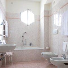 Отель Columbia Италия, Абано-Терме - отзывы, цены и фото номеров - забронировать отель Columbia онлайн ванная