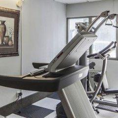 Отель Comfort Inn & Suites Downtown Edmonton фитнесс-зал фото 4