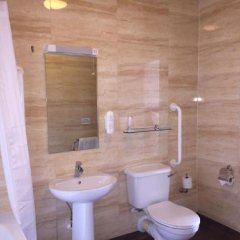 Cabot Court Hotel ванная