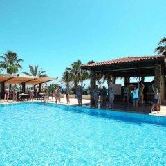 Seagull Hotel бассейн