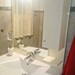 Отель Spacious Apartment in Athens Греция, Афины - отзывы, цены и фото номеров - забронировать отель Spacious Apartment in Athens онлайн ванная фото 3