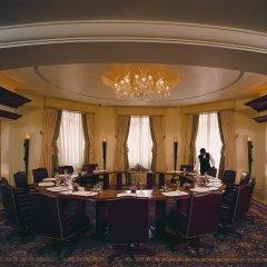 Отель The Leela Palace Bangalore