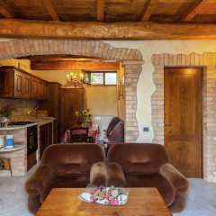 Отель Farmhouse Located in the Beautiful Aulla in Northern Tuscany Аулла фото 23