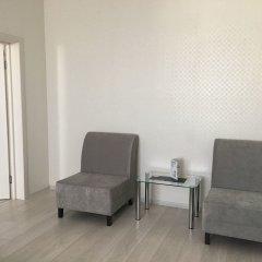 Апартаменты SKY-APARTMENTS комната для гостей фото 3