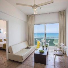 Costantiana Beach Hotel Apartments комната для гостей фото 2