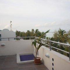 Отель Transit Beach View Hotel Мальдивы, Мале - отзывы, цены и фото номеров - забронировать отель Transit Beach View Hotel онлайн балкон