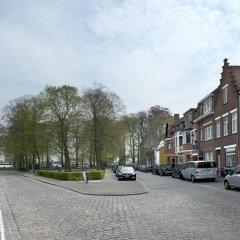 Отель Central Bruges B&B парковка