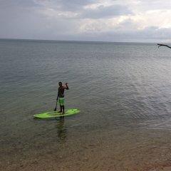 Отель Funky Fish Beach & Surf Resort Фиджи, Остров Малоло - отзывы, цены и фото номеров - забронировать отель Funky Fish Beach & Surf Resort онлайн приотельная территория фото 2