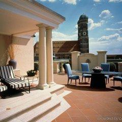 Отель Bayerischer Hof Германия, Мюнхен - 4 отзыва об отеле, цены и фото номеров - забронировать отель Bayerischer Hof онлайн балкон