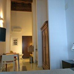 Отель El Baciyelmo Трухильо сейф в номере