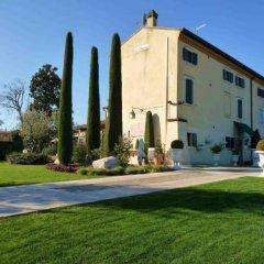 Отель Country House Casino di Caccia спортивное сооружение