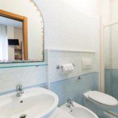 Отель Roby Италия, Риччоне - отзывы, цены и фото номеров - забронировать отель Roby онлайн ванная