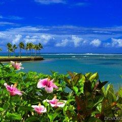Отель The Naviti Resort Фиджи, Вити-Леву - отзывы, цены и фото номеров - забронировать отель The Naviti Resort онлайн пляж