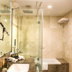 Ghaya Grand Hotel ванная