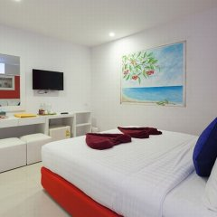 Отель The Frutta Boutique Patong Beach 3* Стандартный номер с различными типами кроватей фото 9