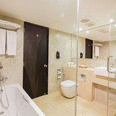 Отель Ramada Colombo Шри-Ланка, Коломбо - отзывы, цены и фото номеров - забронировать отель Ramada Colombo онлайн ванная фото 2