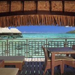 Отель Hilton Moorea Lagoon Resort and Spa балкон