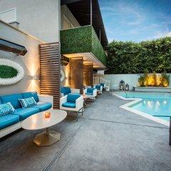 Отель The Mosaic Beverly Hills Беверли Хиллс бассейн