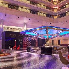 Отель Le Meridien New Delhi Нью-Дели бассейн