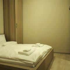 Апартаменты Károlyi Garden Apartment комната для гостей