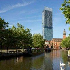 Отель Hilton Manchester Deansgate Манчестер приотельная территория фото 2