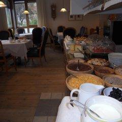 Hotel Garni Zum Hirschen Маллес-Веноста питание фото 3