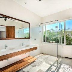 Отель Marea Beachfront Villas Мексика, Коакоюл - отзывы, цены и фото номеров - забронировать отель Marea Beachfront Villas онлайн ванная фото 2