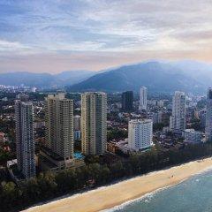 Отель The Gurney Resort Hotel & Residences Малайзия, Пенанг - 1 отзыв об отеле, цены и фото номеров - забронировать отель The Gurney Resort Hotel & Residences онлайн пляж