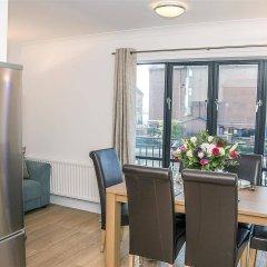 Отель Base Serviced Apartments - The Docks Великобритания, Ливерпуль - отзывы, цены и фото номеров - забронировать отель Base Serviced Apartments - The Docks онлайн комната для гостей фото 2