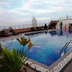 Отель Pearl Grand Hotel Шри-Ланка, Коломбо - отзывы, цены и фото номеров - забронировать отель Pearl Grand Hotel онлайн бассейн фото 2