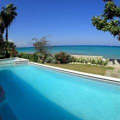 Отель Siesta - Runaway Bay 5BR бассейн фото 3