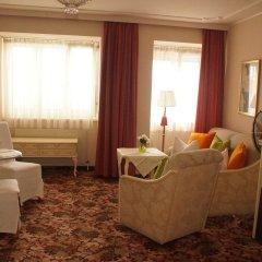 Отель Aviano Pension гостиничный бар