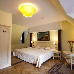 Отель Tyn Yard Residence Прага сейф в номере