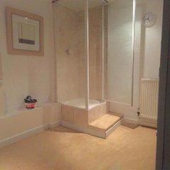 Отель Bobby's Bunkhouse - Hostel Великобритания, Эдинбург - отзывы, цены и фото номеров - забронировать отель Bobby's Bunkhouse - Hostel онлайн ванная