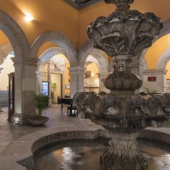 Hotel Morales Historical & Colonial Downtown core интерьер отеля