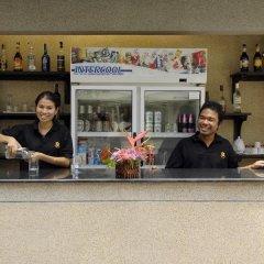 Отель Surin Gate гостиничный бар