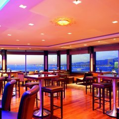 Movenpick Hotel Izmir гостиничный бар