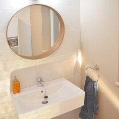 Отель Businest Gosselies-charleroi Airport - 1-bedroom Apartment Бельгия, Госселье - отзывы, цены и фото номеров - забронировать отель Businest Gosselies-charleroi Airport - 1-bedroom Apartment онлайн ванная