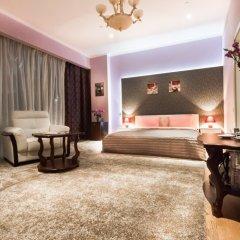 Plus 1 Hotel комната для гостей