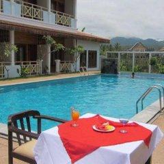 Vansana LuangPrabang Hotel бассейн фото 3