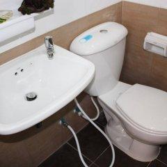 Отель Seri 47 Residence Бангкок ванная
