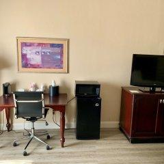 Отель Country Inn & Suites by Radisson, Midway, FL удобства в номере фото 2