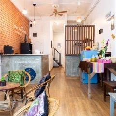 FoRest Bed & Brunch - Hostel Бангкок интерьер отеля фото 3