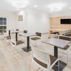 Отель Microtel Inn & Suites by Wyndham Cuauhtemoc