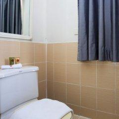 Отель Nida Rooms Rambutri 147 Grand Palace Таиланд, Бангкок - отзывы, цены и фото номеров - забронировать отель Nida Rooms Rambutri 147 Grand Palace онлайн ванная фото 2