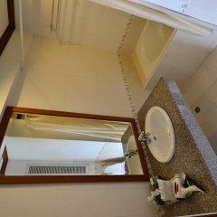 Отель First Bungalow Beach Resort ванная фото 3